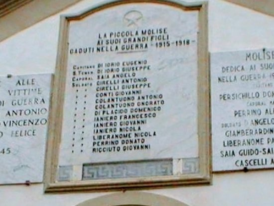 Molise, Italia: war memorial Joyce grandfather's brothers Donato Perrino is on it