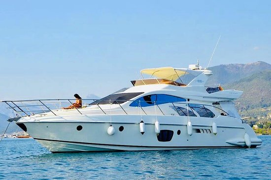 RENT A LUXURY YACHT