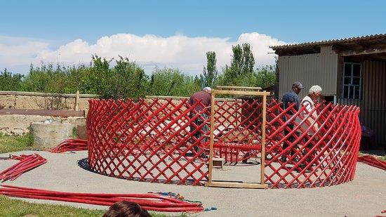 Yurt building demonstration