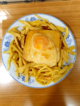 "Francesinha à moda do Restaurante ""O Vasco"""