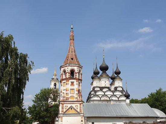 Две церкви