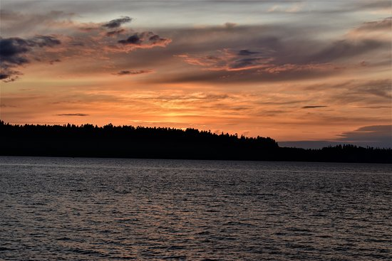 Day Trip from Seattle to Victoria on the Victoria Clipper: sunset over Bainbridge Island on the way back to Seattle