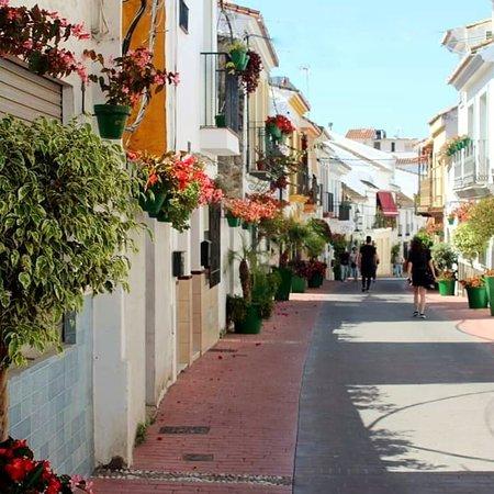إيستيبونا, إسبانيا: Gorgeous Town 