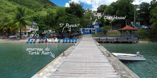 Les Anses d'Arlet, Martinique: Notre centre DEEP TURTLE PLONGEE sur la magnifique plage de Grande Anse d'Arlet en Martinique, au coeur des plus beaux sites de plongée (moins de 10mn de navigation)  et de la fameuse plongée du Rocher Du Diamant