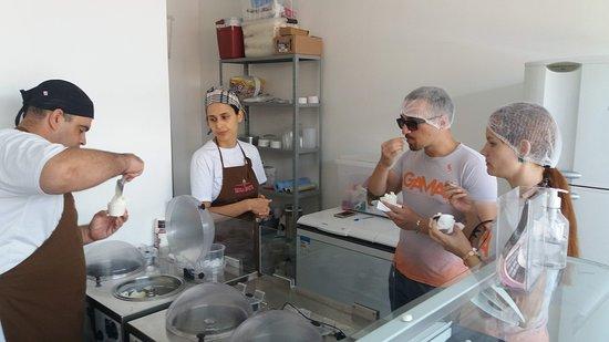 Visita a Bombinhas Gelateria para provar suas delicias!