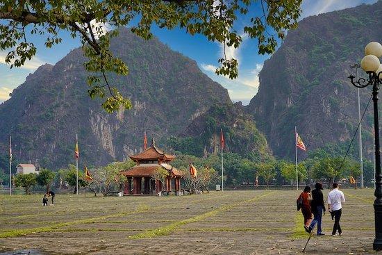 Hoa Lu temples grounds