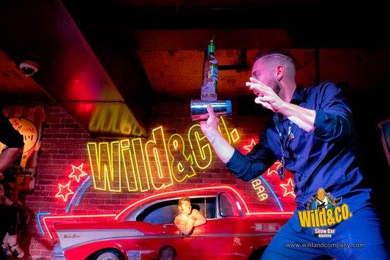 Wild&co show bar