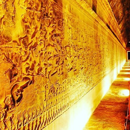 the wall of Agkor Wat that tella us the story of Khner Empire