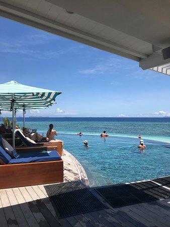 Malamala Beach Club: Infiniti pool and daybeds