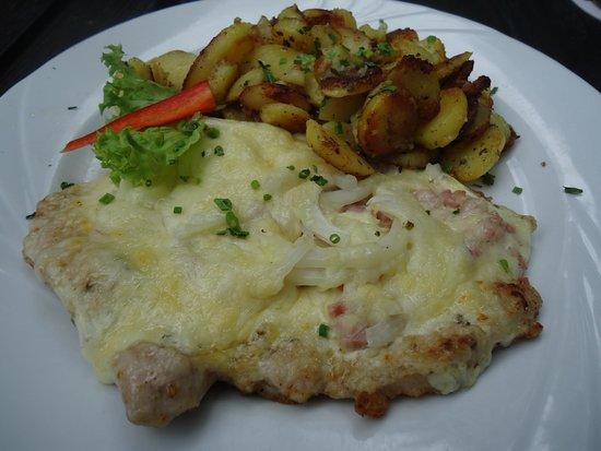Elsässer - Schnitzel mit Bratkartoffeln