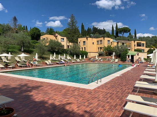 Un posto meraviglioso nel Chianti con grandi spazzi all'aperto dove passare le giornate in totale tranquillità e relax!