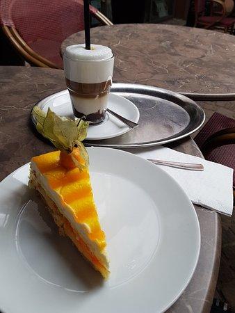 Mandarinen-Mascarpone Kuchen mit Moccacino