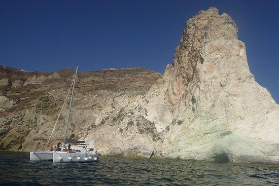 Santorini Privé Day Cruise: Near the white rock