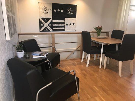 Dining area, Suite Skuteviken https://www.villalonndal.se/varingra-rum--sviter.html