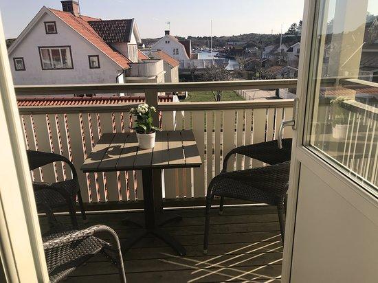 Terrace view over the south harbour. Suite Utkiken https://www.villalonndal.se/varingra-rum--sviter.html