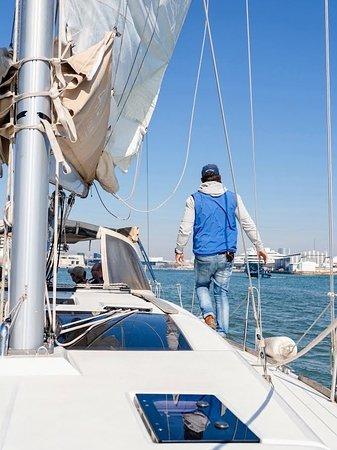 Ship Ahoy Captain 👩✈️⛵️ 20% off all cruises #bestofbarcelona #sailingbarcelona #sailbarcelona #barcelonasunset #barcelonaboat #barcelonaboattour #boattourbarcelona #tourbarcelona #barcelonatour #boatbarcelona #bcn #barcelonacity #sunset #sail #thegoodlife #barceloneta #elborn #marinaportvell #loves_barcelona #loves_catalunya #bcnlovers #travel #marinaportvell #swimbarcelona #dufouryachts #barcelonetabeach #summer #sea #barcelona #sailing