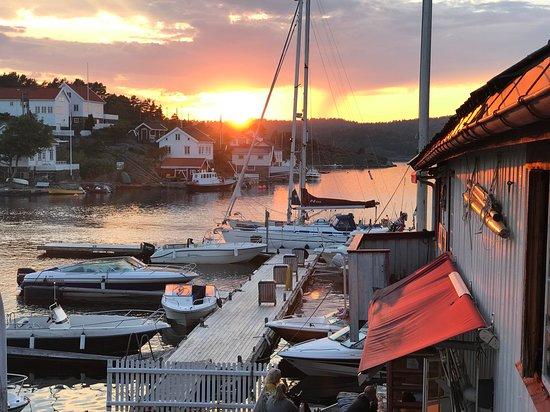 Lyngor, Noorwegen: Solnedgang :)