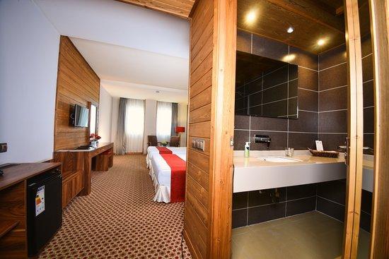 Twin Queen room in 4 Star Hotel