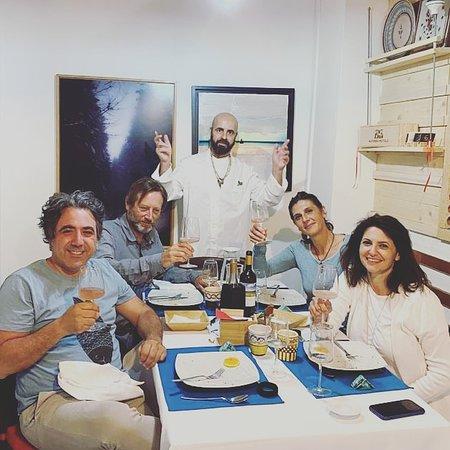 Una serata speciale con Rosaria, Francesco,  Mario e Ida grandi produttori di vini quet'ultimi  con l'azienda vinicola   San Giovanni di Punta situata a Tresino, Castellabate.