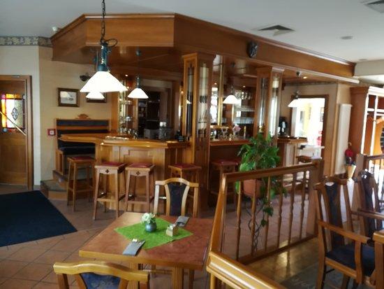 Blick zur Theke vom Restaurant Stargarder.