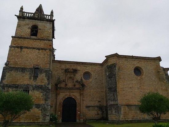 Iglesia De San Martín De Tours