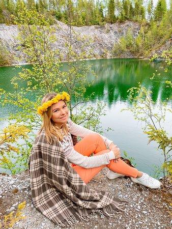 Ruskeala, Russia: Потрясающий цвет воды в озере !