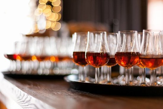 Whisky Tasting and Food Pairing in...
