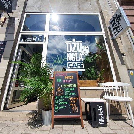 Zacznij dzień od kawy i uśmiechu. Espresso, cappucino, cold brew, drip, aeropress, ice latte?