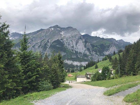 Dunkle Wolken beim Rückweg zu Bergstation