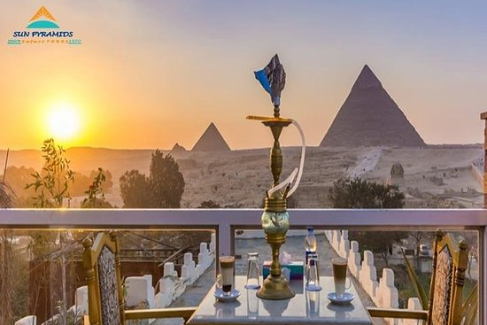 Great Pyramid Inn Dinner With Pyramids View Fotografie