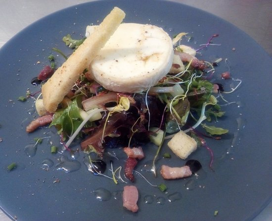 Salade fromage chèvre chaud
