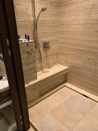 豪華房 - 淋浴間