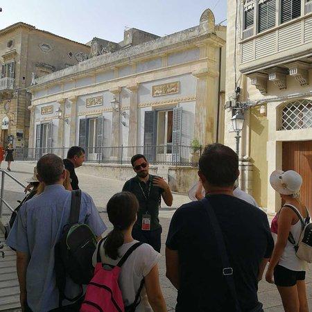 Scicli, Italija: Visita guidata a Ragusa - Circolo di Conversazione e Tour di  Montalbano