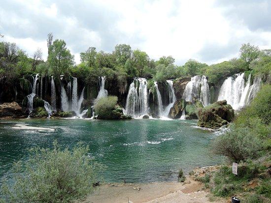 Studenci, Bośnia i Hercegowina: Kravica waterfall