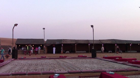 Sahara Arabian Desert Dinner Experience with Transport from Dubai: adrenalinico