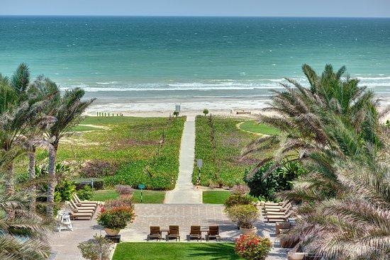 Duqm, Oman: Beach
