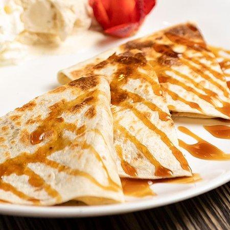 Es sind die Erinnerungen die zählen, nicht die Kalorien. Kennt ihr schon unsere Quesadillas con Nutelly y Banane? Super lecker und definitiv JEDEN Bissen wert!