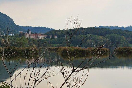 Il monastero dalle torbiere