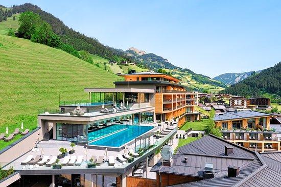 DAS EDELWEISS Salzburg Mountain Resort - TripAdvisor