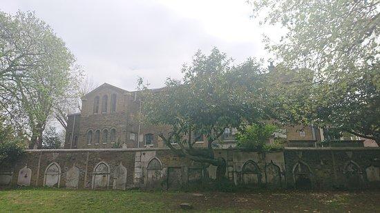 St Paul's Churchyard and Eden Community Garden