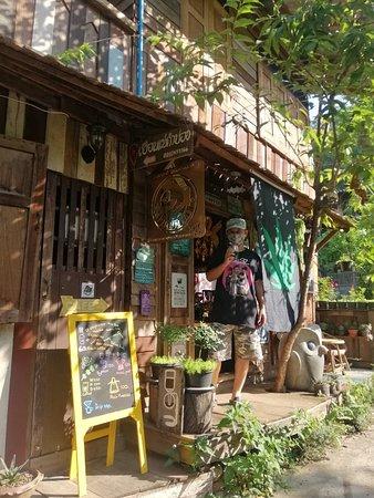 ร้านกาแฟปรับปรุงสถานที่ใหม่