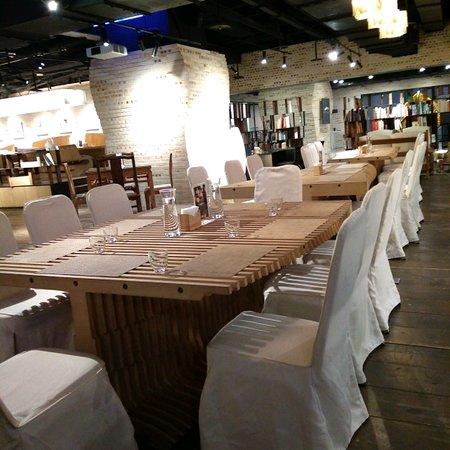 Zhongzheng District, טאיפיי: [ARKI築CALERIA空間]餐廳 美食 音樂演奏 藝文閱讀空間° 蠻有氣氛的°