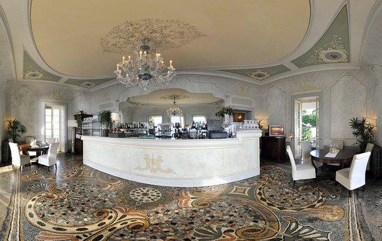 IL nostro bar inserito nella bellissima villa dell'800