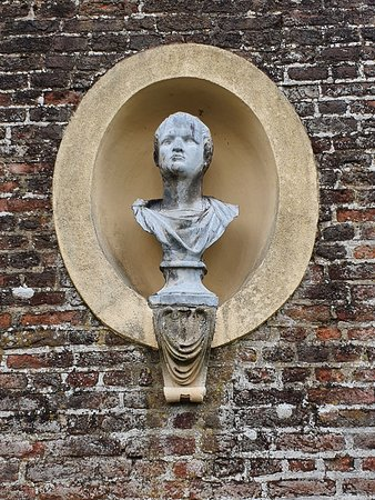 Ham House - architecture/sculpture
