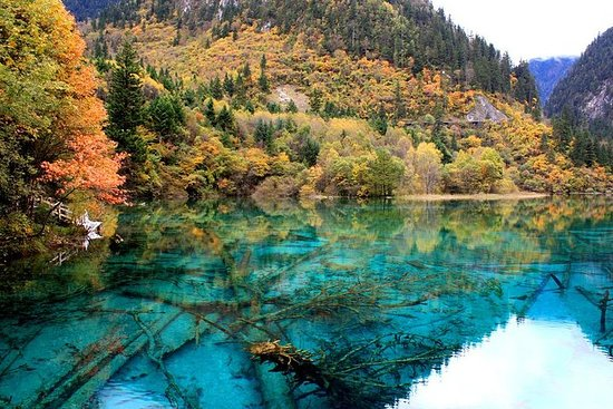 Private Amazing 3-Days Jiuzhaigou And Huanglong National Park Package...