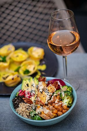 Bowl with wine