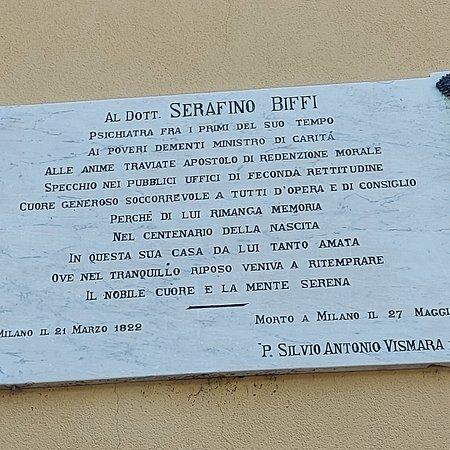 Villa Biffi si trova a Rancate, frazione di Triuggio. Essa fu costruita nel 1853 e prende il nome dal dott. Serafino Biffi, scienziato e fondatore della psichiatria moderna. Immersa in un bellissimo parco, attualmente ospita un ristorante ed una sala convegni. Nella foto insegna a lui dedicata