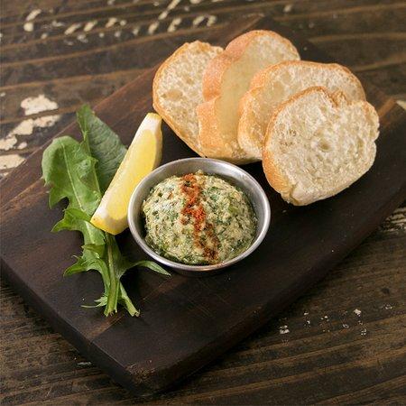 ワイルドハーブフムス フムス とはひよこ豆をペースト状にした地中海のスーパーフードです。Wild Herbが入りさらに美容と健康の効果UP!