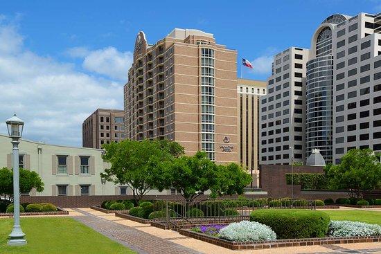 Has Rare 2 Bedroom Suite Review Of Doubletree Suites By Hilton Austin Austin Tx Tripadvisor