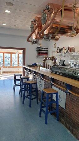 La Línea de la Concepción, Espanha: Nuestra barra marinera. Cerveza Estrella Galicia de Bodega.